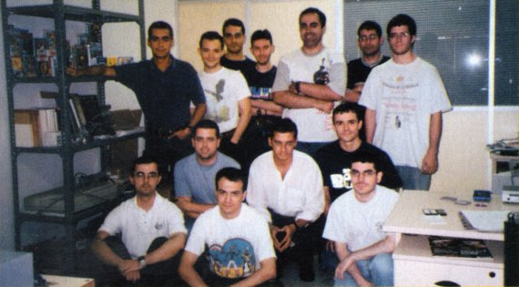 Alberto and his team in 2001